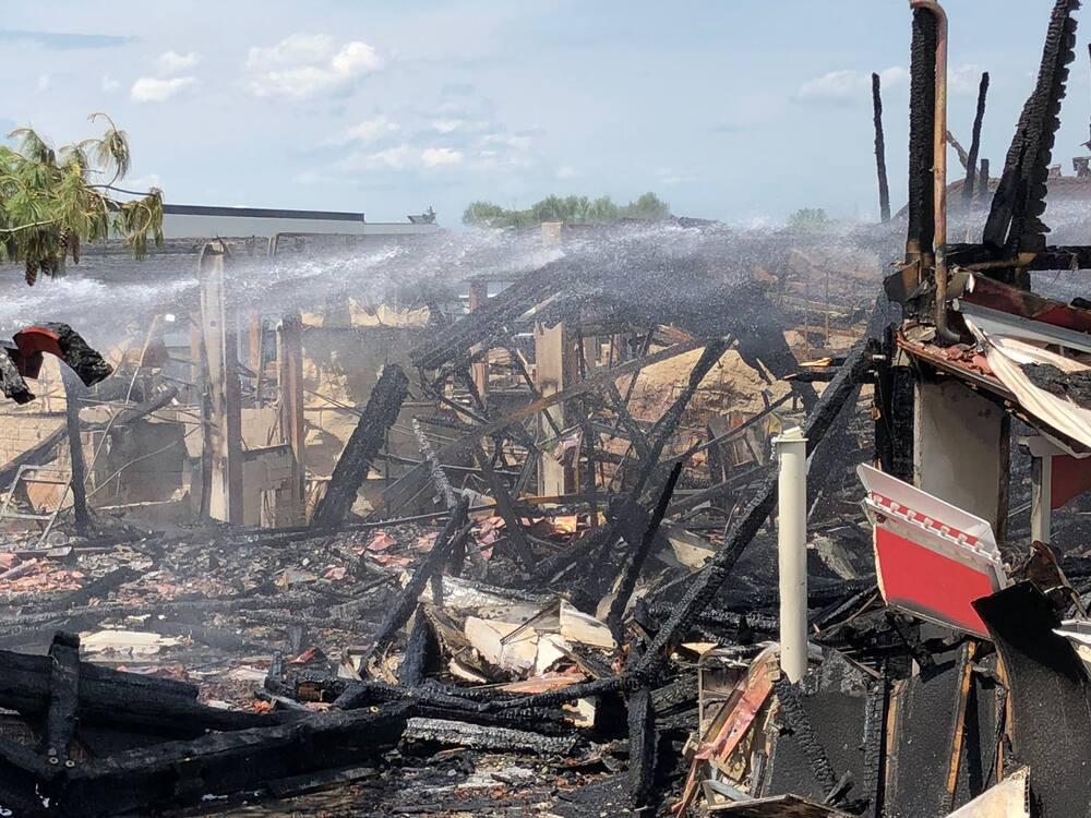 Nach Brand Im Europa Park Hoffnung Für Batavia Piratenbahn Blick