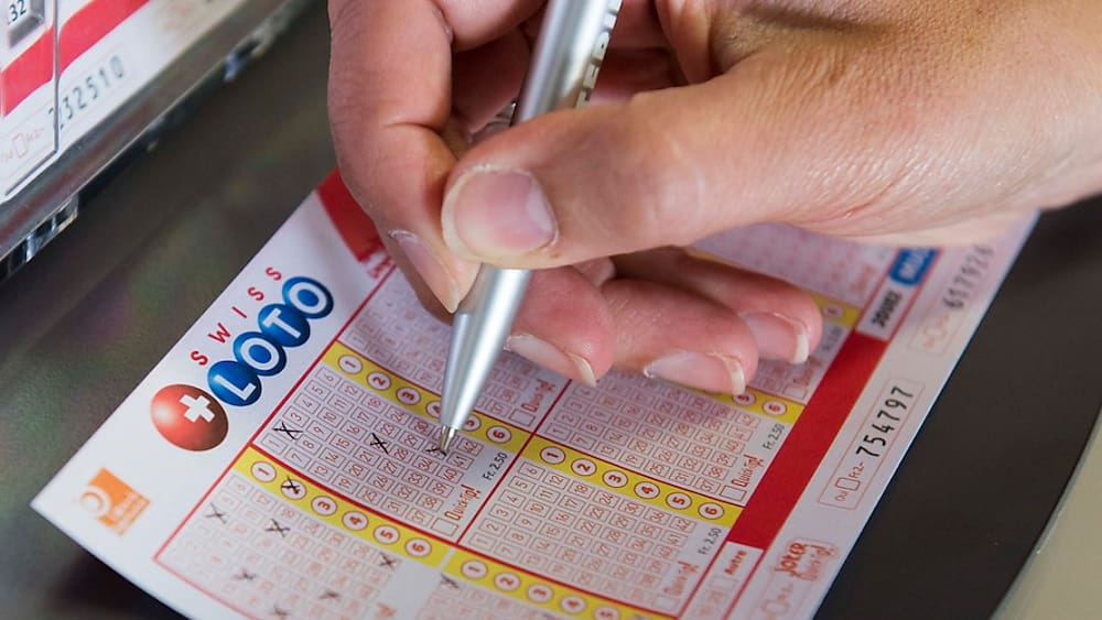 Lotto Jackpot Cracked Gluckspilz Wins 35 Million Francs Shilfa